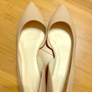 Nine West nude pointy toe flats Size 13